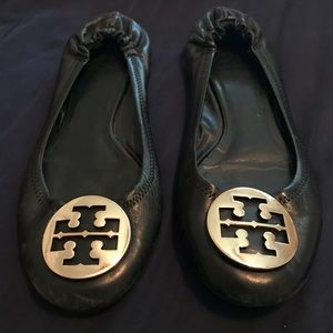 TORY BURCH MINNIE TRAVEL LOGO FLAT